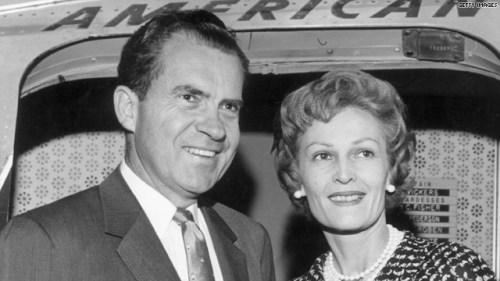 Richard Nixon en zijn vrouw Pat, aan het begin van zijn politieke carrière, begin jaren 1960