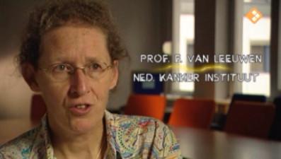 professor dr. Floor van Leeuwen waarschuwde vanaf het begin van de introductie van het HPV-vaccin voor onbezonnenheid en het gevaar voor de volksgezondheid..!!