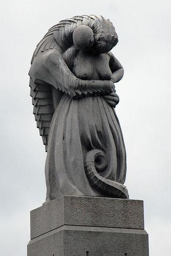 reptilian statue