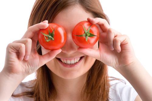 vrouw-met-tomaten