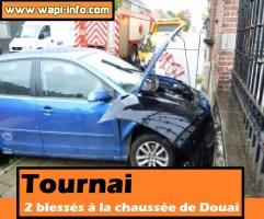 Tournai : voiture contre une façade à la chaussée de Douai