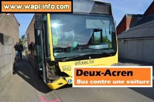 Deux-Acren : bus contre une voiture