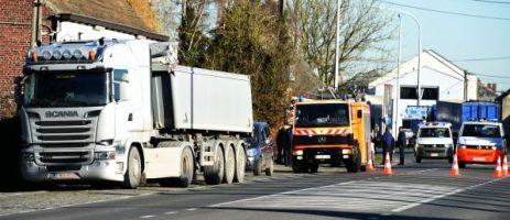 Leuze (Ht) : une femme renversée par un camion sur la N7