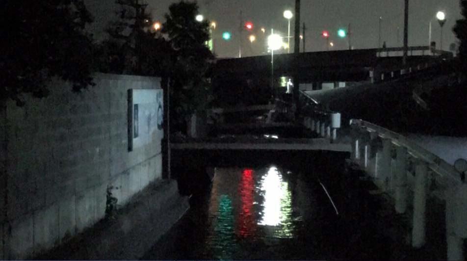 学区内の用水路