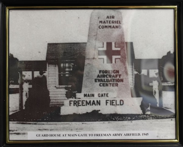 Warbirds and Airshows - Freeman Field Museum
