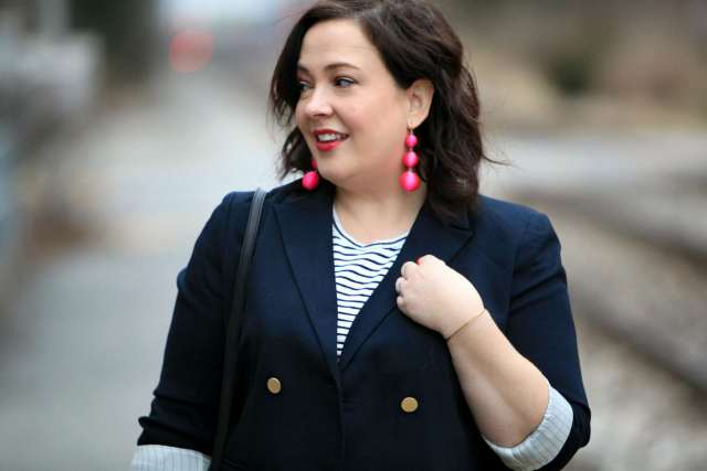 Wardrobe Oxygen with the BaubleBar Crispin Earrings in Pink