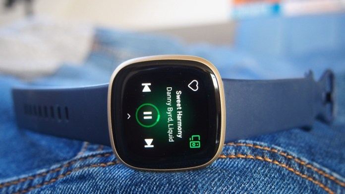 Fitbit Versa 3 Review A Potent Mix Of Great Battery And Top Features