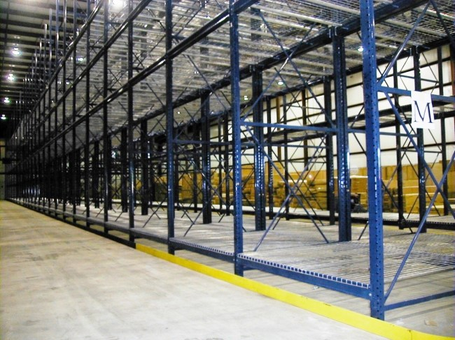 Deep Pallet Rack With WIre Decking