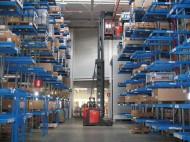 narrow-aisle_stacker