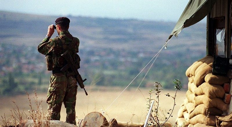 British Army 26 Regiment Royal Artillery (The West Midland Gunners) in Kosovo as part of KFOR, 1999, by Kevin Capon (Crown Copyright, 1999)