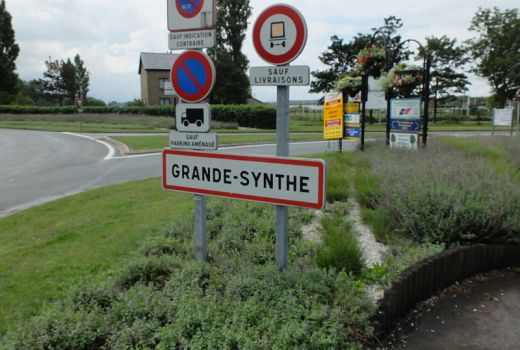 Refugee Crisis, France, Grande-Synthe, location of refugee camp destroyed by rioters April 2017 (Floflo62, 2014, CC4)