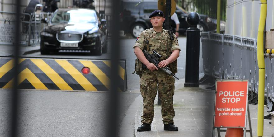 British Army Operation Temperer Soldier on guard outisde No 10 Downing St, London, 24 May 2017, by Katie Chan (CC4)