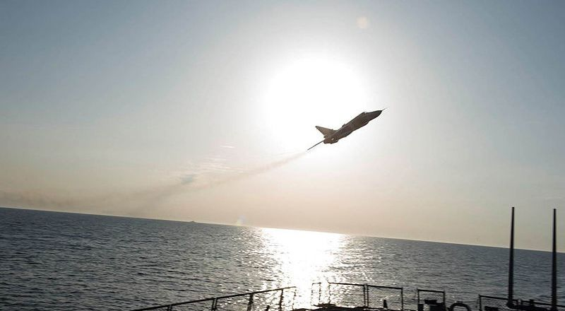 US Navy USS Donald Cook, a Russian Sukhoi Su-24 makes a low-altitude pass in the Baltic Sea, 12 April 2016