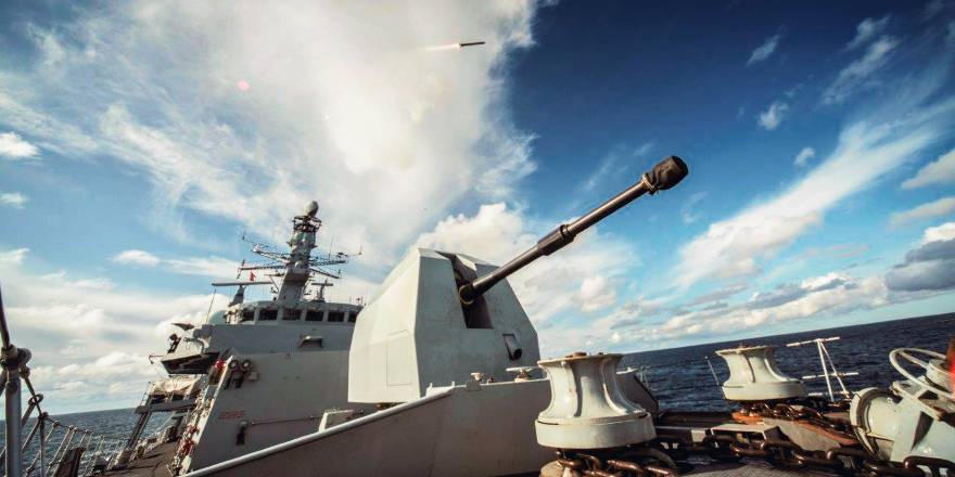 Royal Navy Type 23 Frigate tests Sea Ceptor missile defence system (Crown Copyright, 2018) [880]