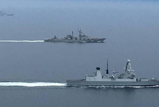 Royal Navy HMS Diamond escorts Russian warships through English Channel (Crown Copyright, 2018) [news][880]