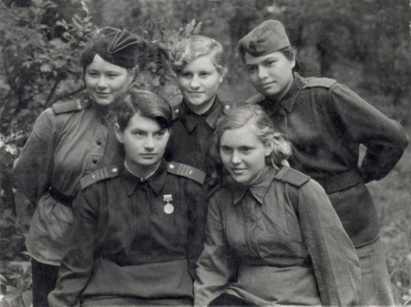 Fearless and Deadly - The Dedicated Young Women Who Fought ...