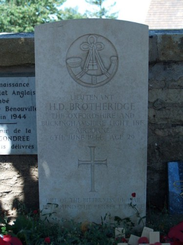Grave_Den_Brotheridge