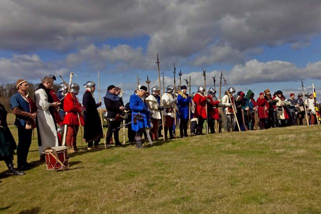 Reenactors of the Battle of Towton. William A. Dobson/Flickr/Wikipedia/CC BY-SA 2.0