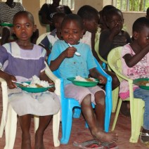 Kinder in Korowe