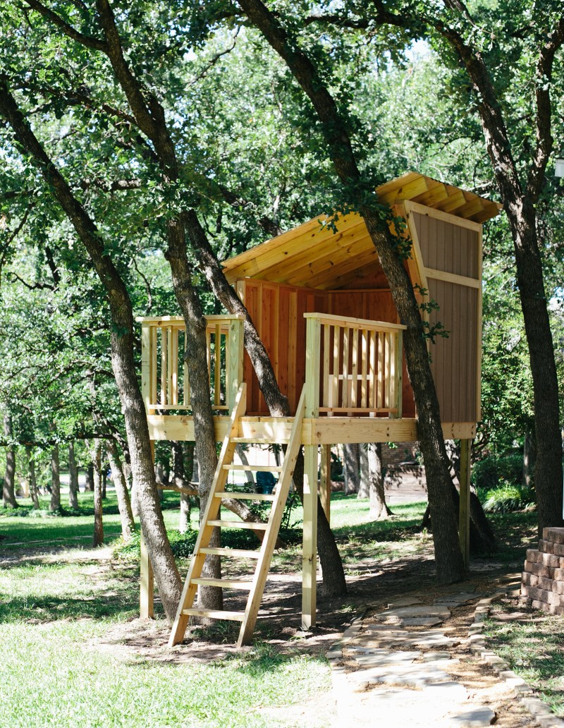 building a treehouse warm hot chocolate. Black Bedroom Furniture Sets. Home Design Ideas