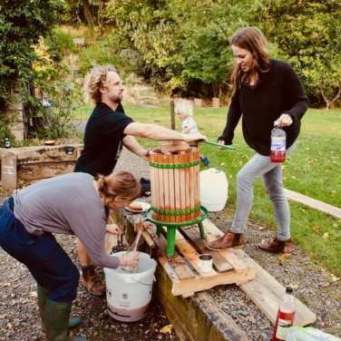 Making local apple juice