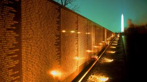 Vietnam-War-Memorial-Night