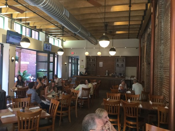 Brewer's Alley dining room