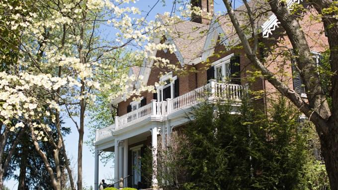 Spring at Warrenwood Manor