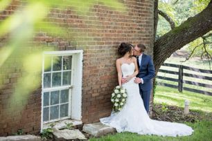 Ivory & navy wedding at Warrenwood Manor