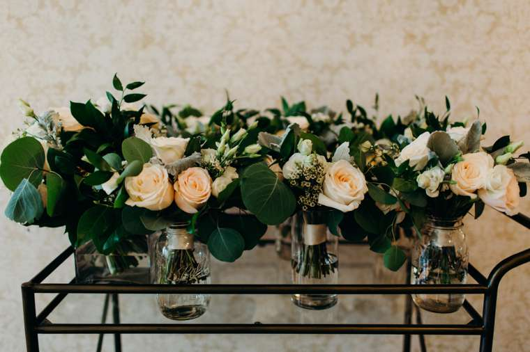 Neutral bridesmaid bouquets