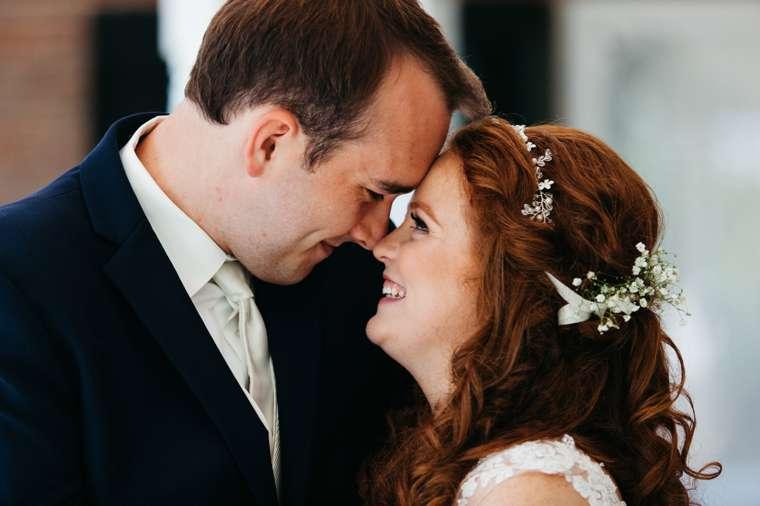Traditional romantic Kentucky wedding