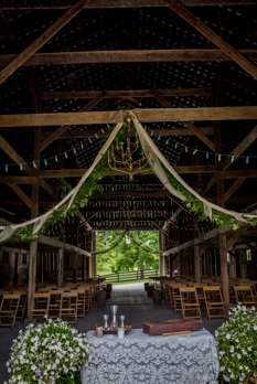 Alter table for barn wedding ceremony
