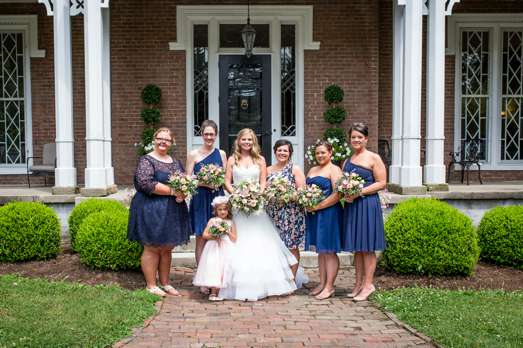 Bridal party in navy at historic Kentucky mansion