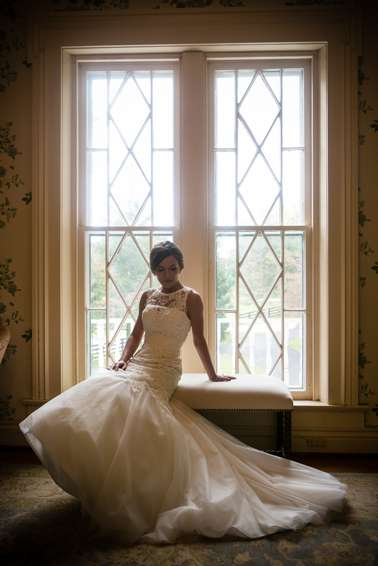 Bride in Warrenwood Manor Bridal Suite