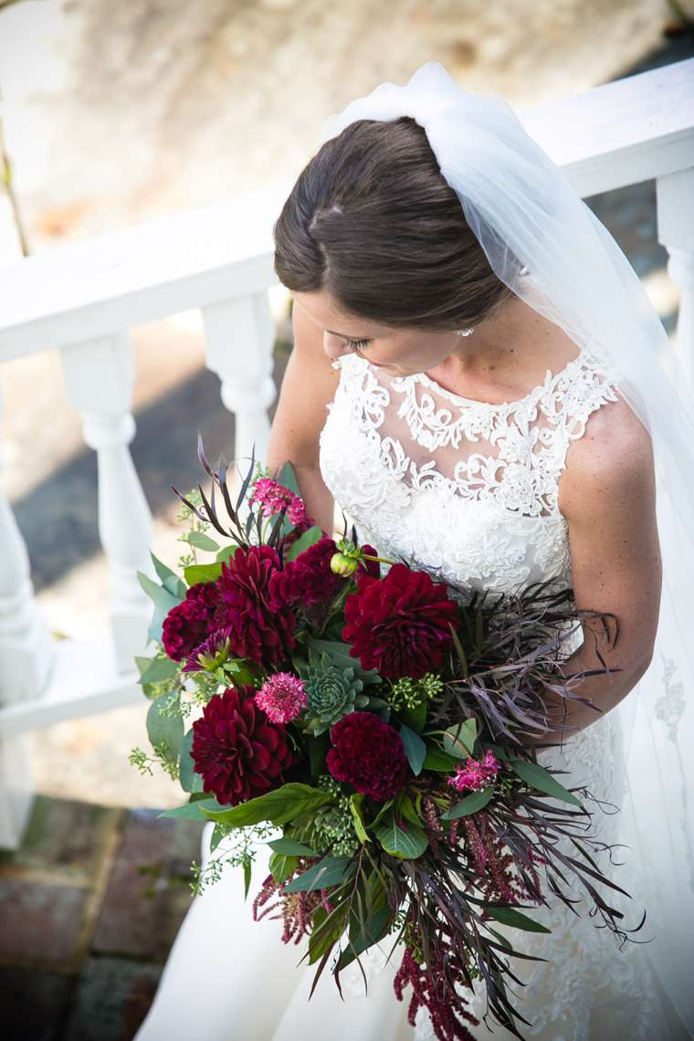 Burgundy bridal bouquet for classy glam fall wedding