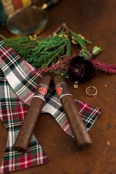 Kentucky cigars at Kentucky winter wedding