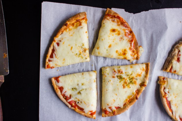 Whole-Wheat-Pita-Pizza-3-ingredients-3-Minute-7
