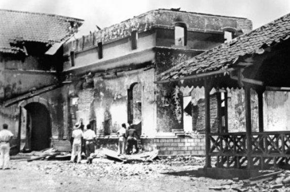 erbagai bangunan luluh lantak di bakar massa PKI di Madiun pada September 1948