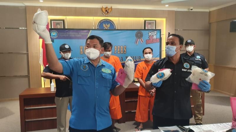 Gagalkan Peredaran 4 Kg Sabu Asal Jakarta, BNNP Jatim Bekuk 2 Kurir