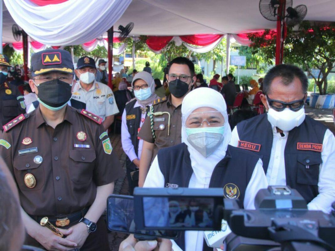Gubernur Khofifah Apresiasi Vaksinasi Massal Kejati Jatim Tingkatkan Head Imunity