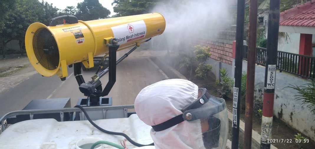 Hindari Meluasnya Pandemi Covid-19, Satu Desa Hujan Disinfektan