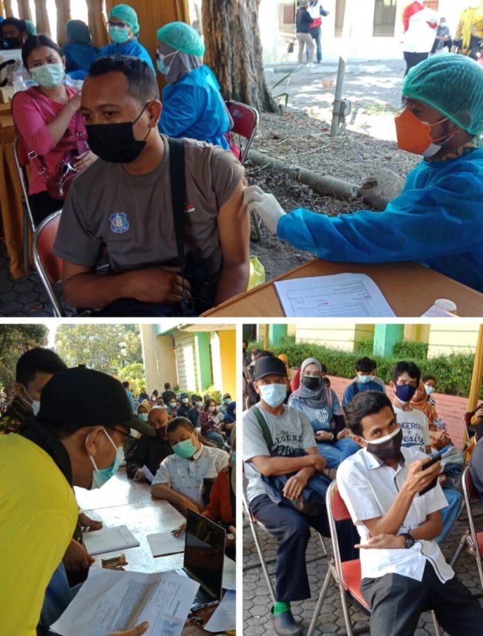 2.200 Peserta Ikut Vaksinasi di DPD Golkar Jatim