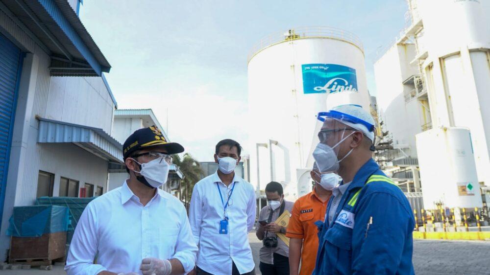 Pastikan Ketersediaan Oksigen untuk RS, Wagub Emil Tinjau PT. Linde Indonesia, Gresik