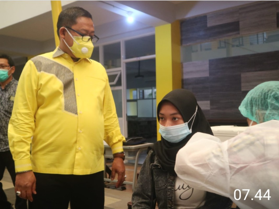 Univ. Wijaya Putra Ikut Percepat Capaian Herd Immunity