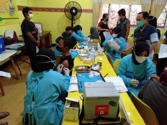 Golkar Cari Tambahan Vaksin Untuk Bantu Kab/Kota yang Masih di Bawah 70 Persen
