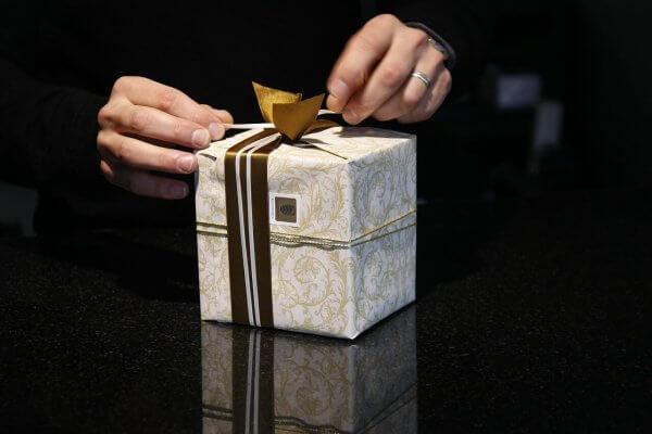 Blog Männergeschenke Content schwarzes Geschenk für Männer