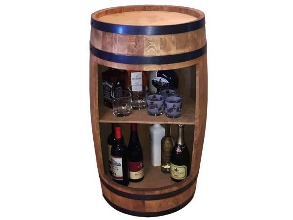 Der Man Cave – die ultimative Männerhöhle einrichten Deko Barwagen Whisky Fass aus Holz