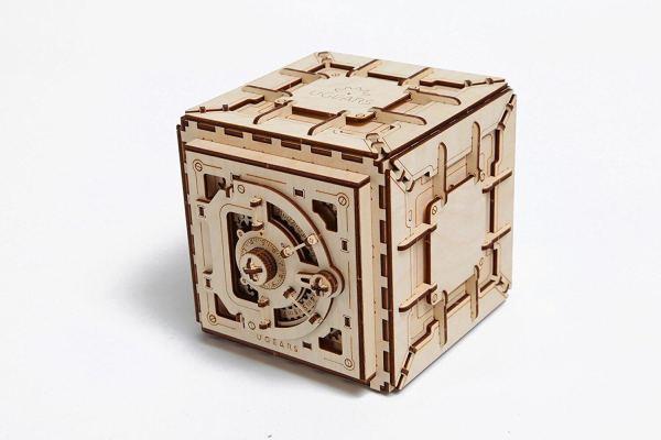 Holzbausatz - besten Holzmodell kaufen - Bausatz aus Holz - Geschenkidee und Männerspielzeug - Tresor aus Holz Männerspielzeug kaufen – Männerspielzeuge finden – Spielzeug für Männer finden – bestes Männerspielzeug – Männerspielzeug im Vergleich