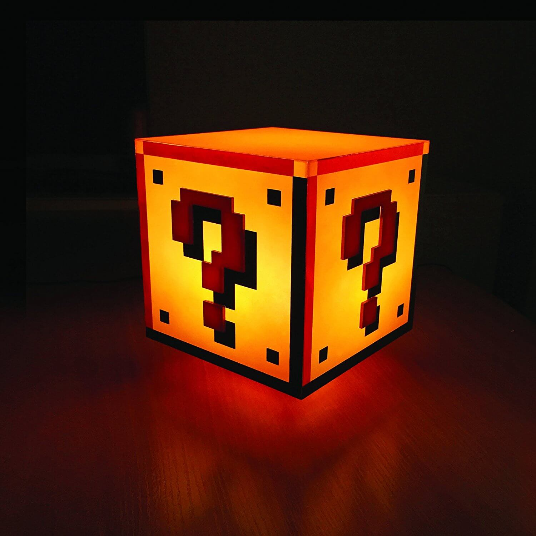 Nerd Geschenke - Die besten Gadgets für Geeks - Super Mario Lampe - Dekoration im Retro Design - Gaming Licht - 90's