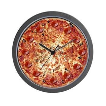 Food Design Designer Wanduhr im Pizzadesign